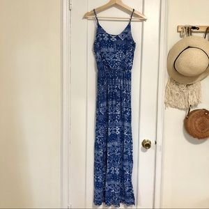 Lush blue/white Aztec printed maxi dress small